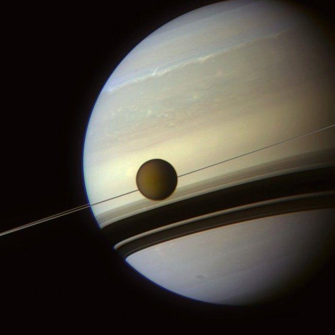 NASA официально подтвердили: на Титане есть жизнь!