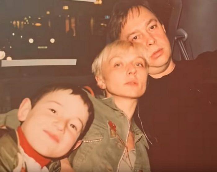вид фото взрослого сына татьяны овсиенко приведены